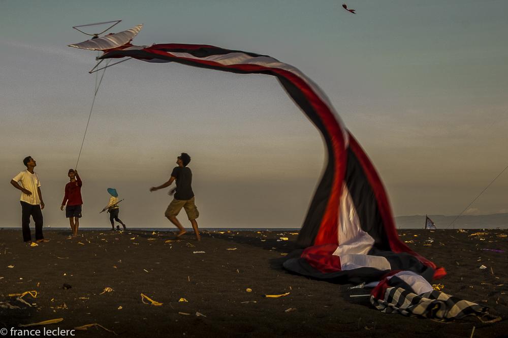 Kites_(16_of_20)